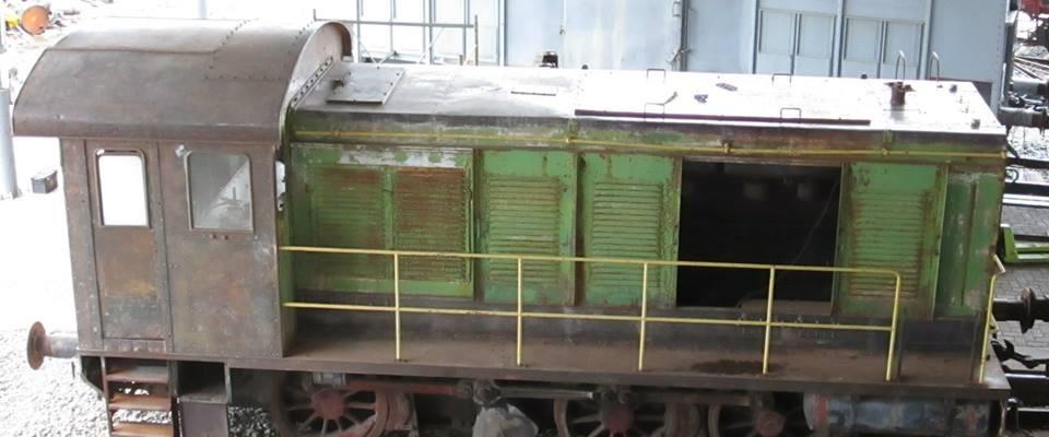 Locomotore da manovra pesante tipo V36 dono Italcementi visto dall'alto