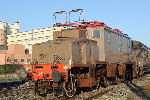 Locomotiva elettrica E 431.027