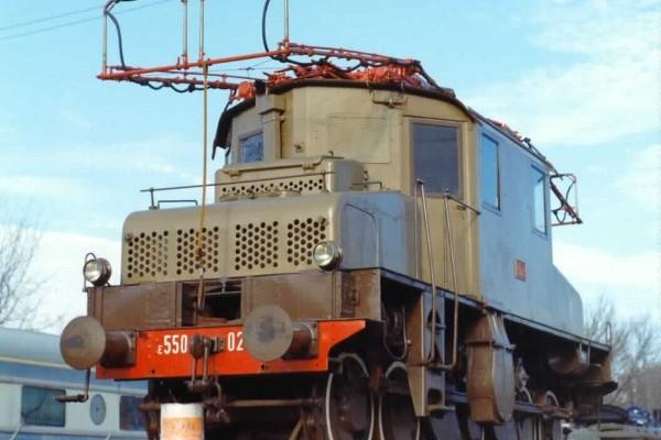 Locomotiva elettrica E 550.025